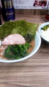 松戸駅前の横浜家系らーめん 武蔵家に行ってきました♪